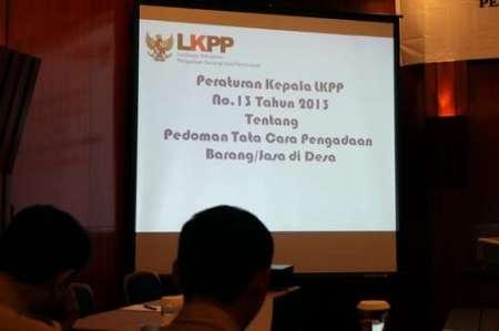 LKPP Sosialisasikan Peraturan Kepala Nomor 13 tahun 2013 tentang Pedoman Tata Cara Pengadaan Barang/Jasa di Desa di Surabaya, Rabu (27/11). (Foto: Taufan/Humas)